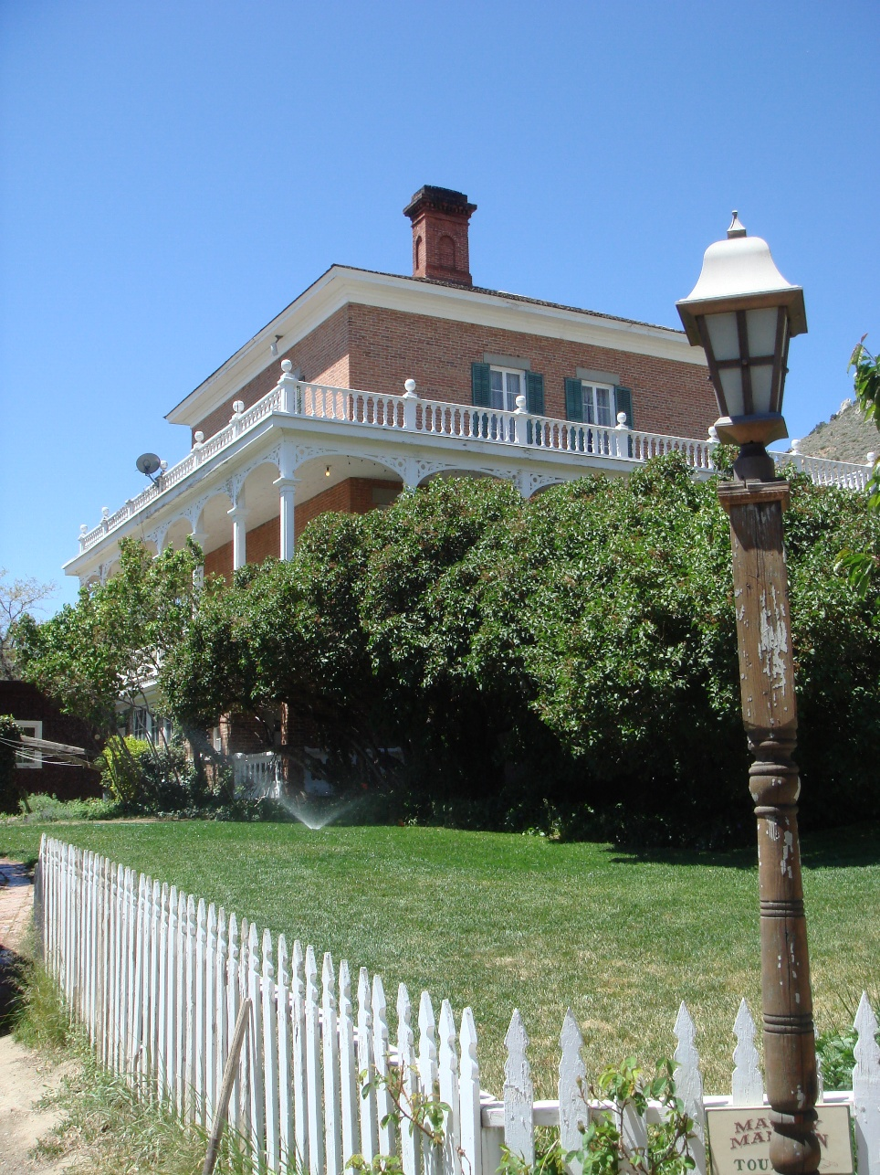 Exterior of Mackay Mansion Museum